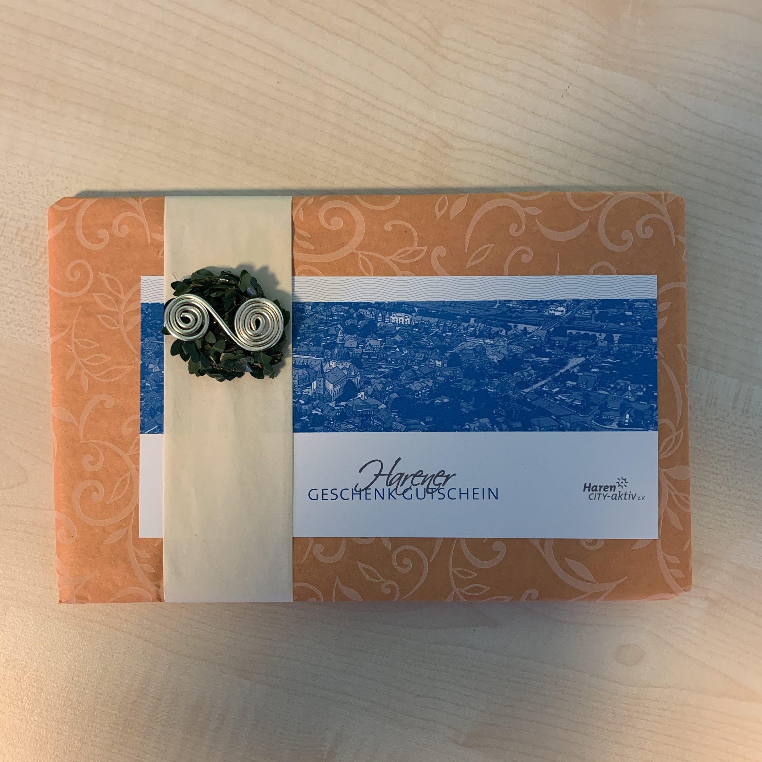 Geschenkverpackung für ein Flachgeschenk (karte, Gutschein, etc.)