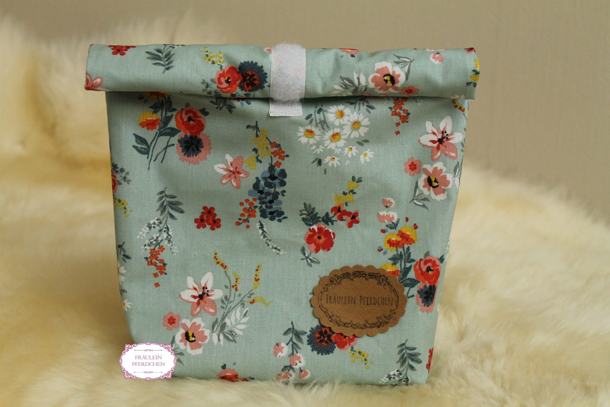 Kleine Lunchbag ~ Mint mit Blumen