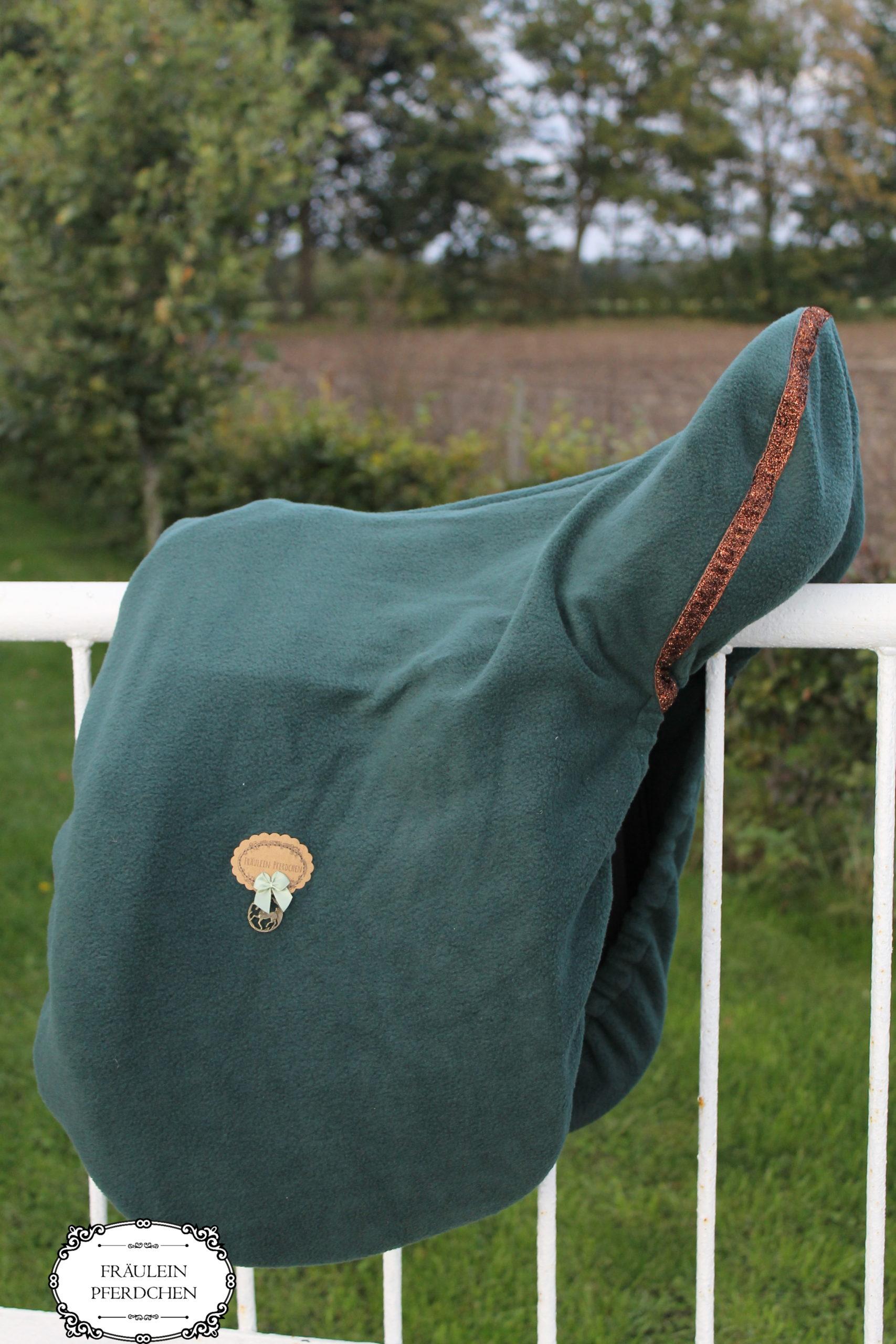 Sattelschoner aus Fleece – 100% mit Liebe handgemacht
